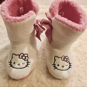 Hello Kitty Furry Sherpa Slipper Boots  Size 9-10